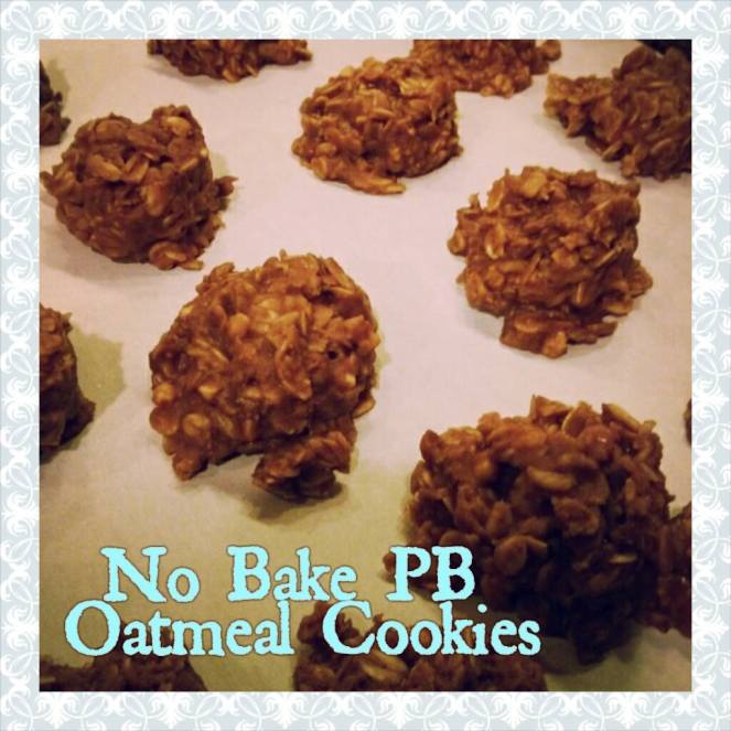 If there's one cookie that reminds me of my childhood this has got to be it! I LOVE these no bake pb coco oat meal cookies! Just how I like a recipe to be... so easy and so delicious! | lookingjoligood.woordpress.com