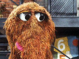 Snuffleupagus' eyelashes | lookingjoligood.wordpress.com