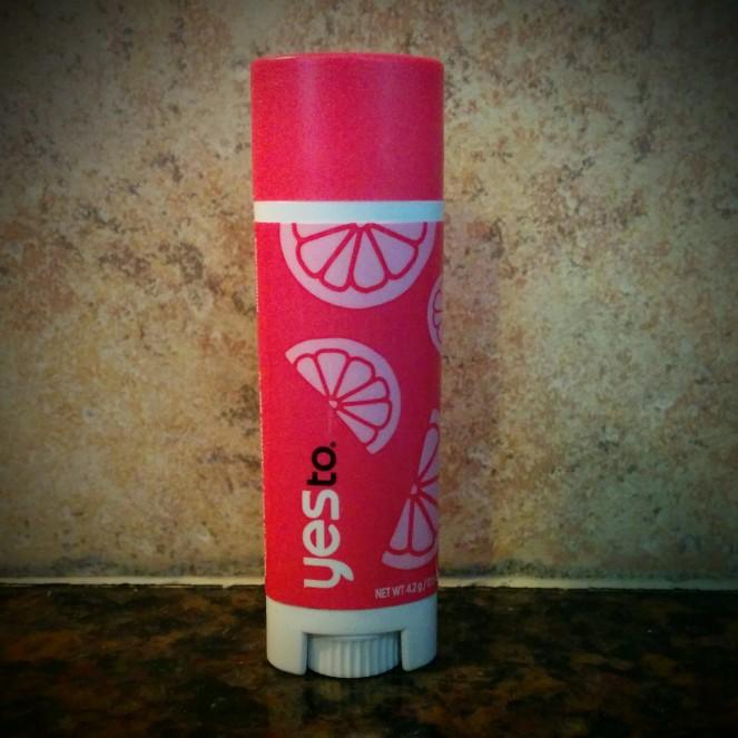 Yes to Grapefruit Naturally Smooth Lip Balm | lookingjoligood.wordpress.com