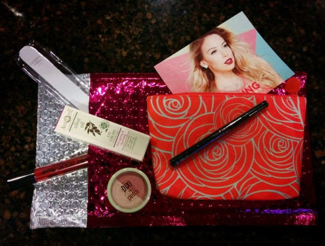Ipsy Glam Bag March 2016 | lookingjoligood.wordpress.com