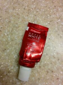 Colgate Optic White Express White Toothpaste | lookingjoligood.wordpress.com