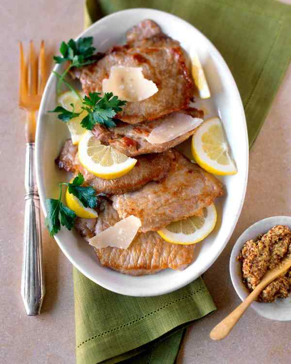 Martha Stewart's 15 minute Sauteed Pork Cutlets | lookingjoligood.wordpress.com