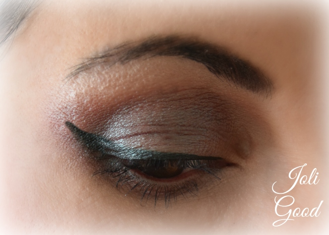 Rimmel Scandal Eyes Gel Liner | lookingjoligood.wordpress.com