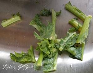 Baked Kale Chips | lookingjoligood.wordpress.com