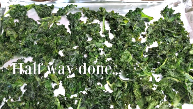 Baked Kale Chips | lookingjoligood.wordpress.com