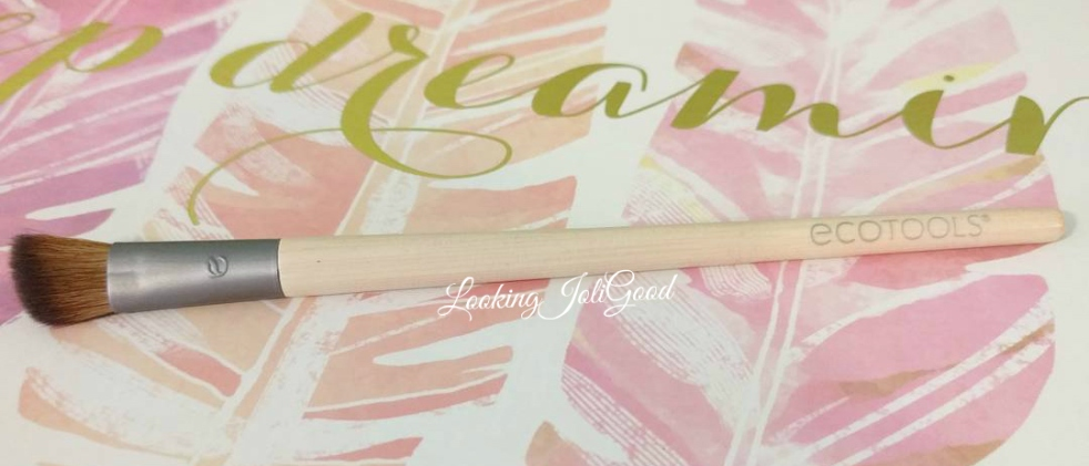 Limited Edition Anniversary Collection ANGLED CREASE brush | lookingjoligood.blog