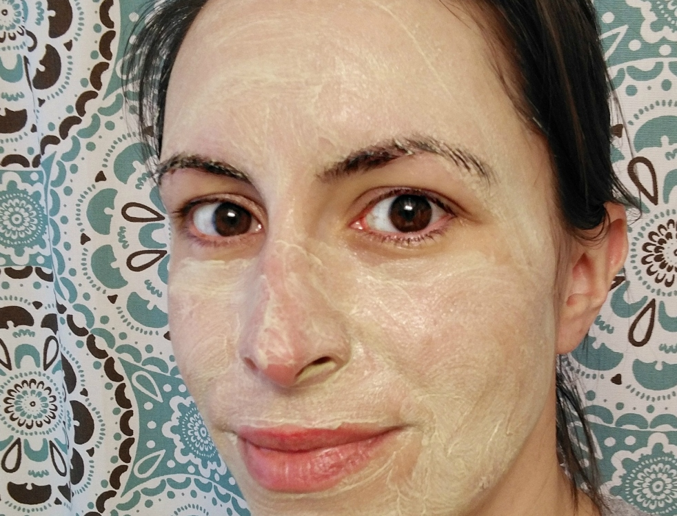 face mask | lookingjoligood.blog