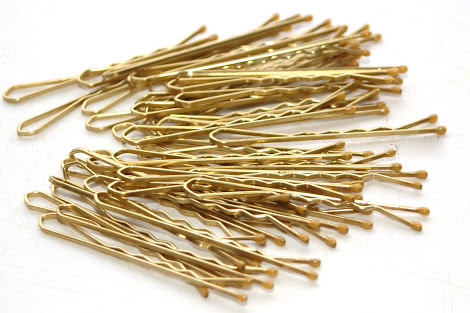 bobby pins | lookingjoligood.blog