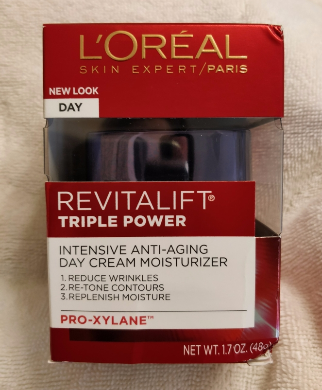 Loreal Revitalift triple power moisturizer/hydrant | lookingjoligood.blog