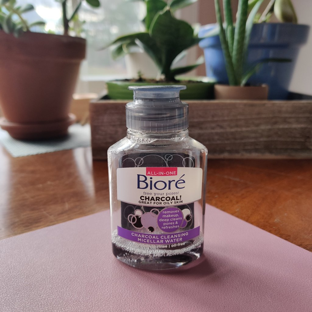Biore Charcoal Cleansing Micellar Water | lookingjoligood.blog