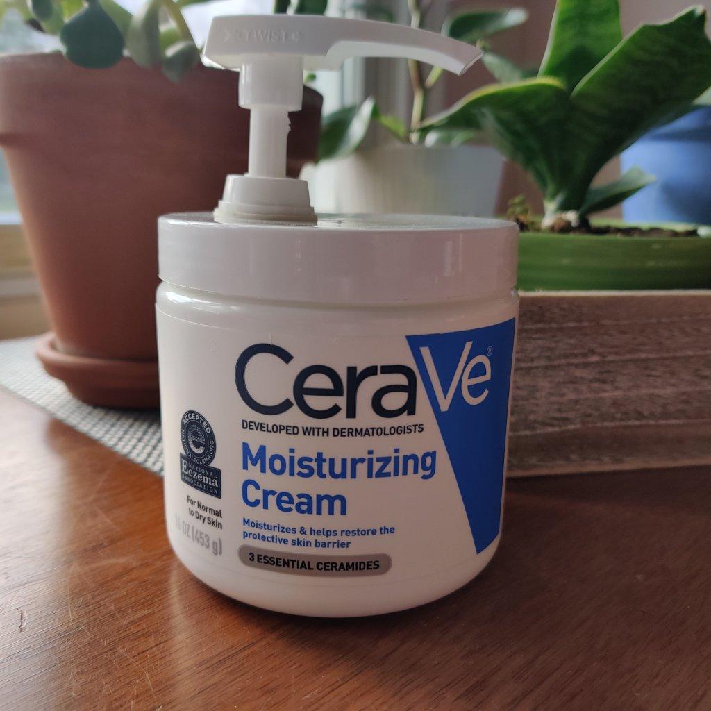 Cerave Moisturizing Cream | lookingjoligood.blog
