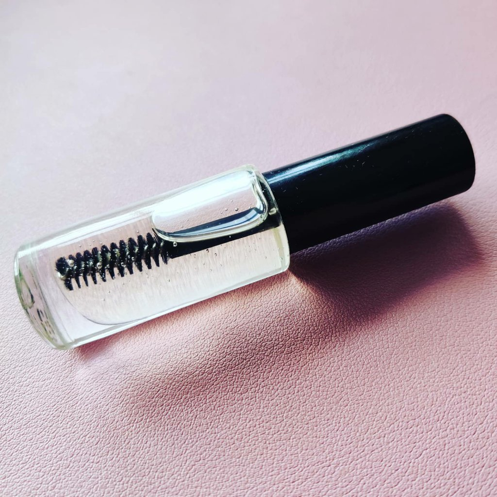 eye lash serum | lookingjoligood.blog